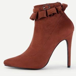🆕Brown suede ruffle cuff bootie heels